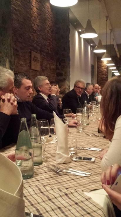 un'altra immagine della cena reggina con Massimo D'Alema