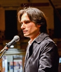 Giuseppe Falcomatà ringrazia i suoi elettori (ph. Nicola Lorenzo Leonardi)