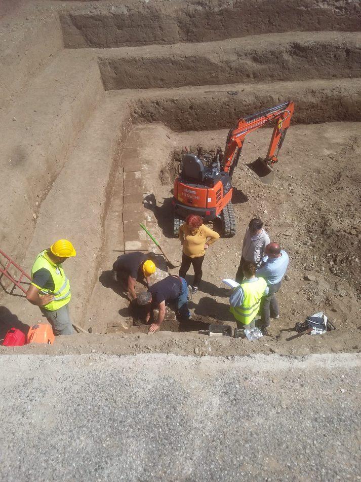 scava-mattonella
